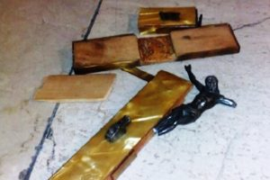 Italy: Crucifix Near Mosque Destroyed
