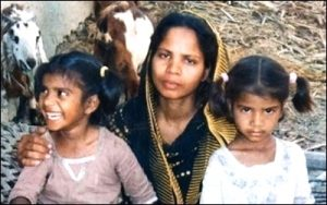 """Islamist """"Justice"""": Slow Painful Death for Christian Mother in Pakistan"""